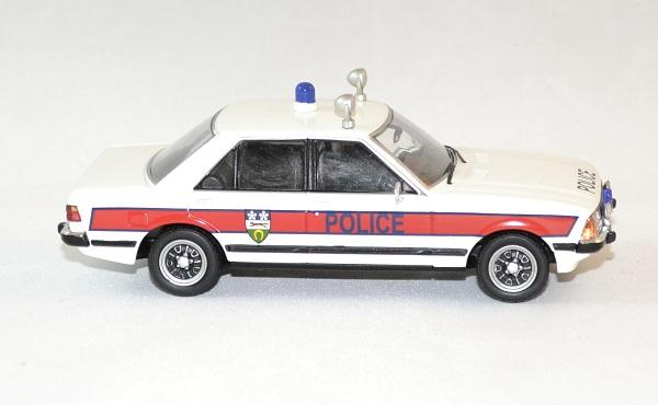 Ford vanguard granada mk2 1 43 police autominiature01 3