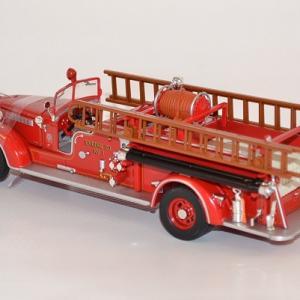 Fourgon packard pompier americain lynn fire dpt 1939 1 autominiature01 com 3 1