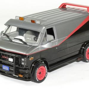 Gmc vendura 1983 a team barracuda 1 24 greenlight autominiature01 1