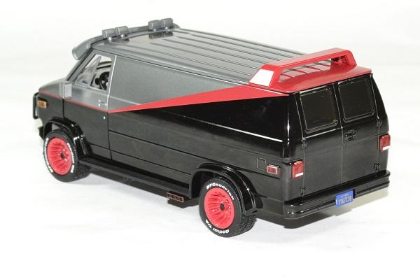 Gmc vendura 1983 a team barracuda 1 24 greenlight autominiature01 2