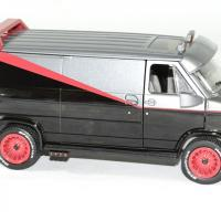 Gmc vendura 1983 a team barracuda 1 24 greenlight autominiature01 3