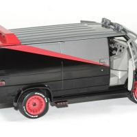 Gmc vendura 1983 a team barracuda 1 24 greenlight autominiature01 4