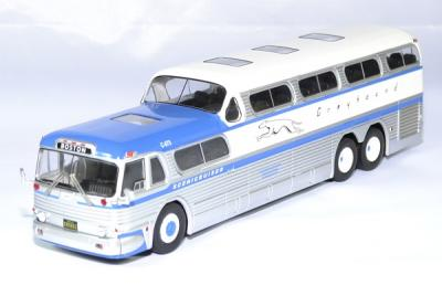 GMC Greyhound Scenicruiser 1956 gris/bleu