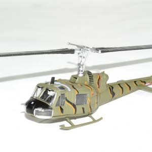 Helicoptere bell uh18 huey 1964 vietnam 1 72 solido autominiature01 1