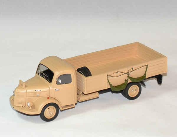 Hotchkiss pl20 eligor armee francaise niger 1946 1 43 autominiature01 1