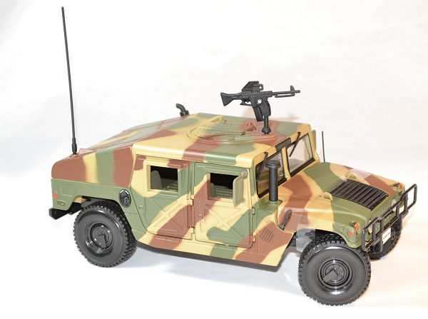 Hummer h1 camo us army maisto 1 18 36874 autominiature01 3