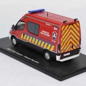 Iveco daily sapeurs pompiers vp 1 43 eligor 116664 autominiature01 2
