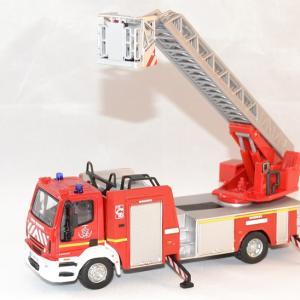 Iveco magirus 150e echelle pompier 1 50 bburago autominiature01 1