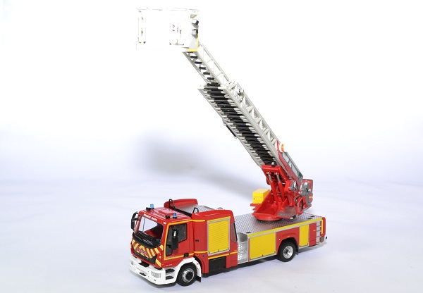 Iveco magirus echelle m32ttl euro 6 pompier eligor autominiature011 43 2