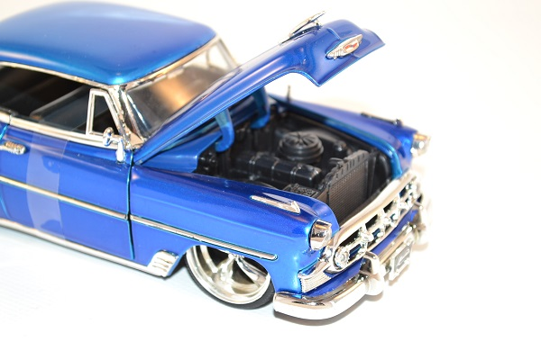 jada-toys-1-24-chevrolet-chevy-bel-air-tunning-1953-autominiature01-6.jpg