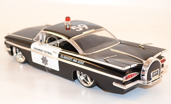jada-toys-1-24-chevrolet-chevy-impala-tuning-highway-patrol-police-autominiature01-2.jpg