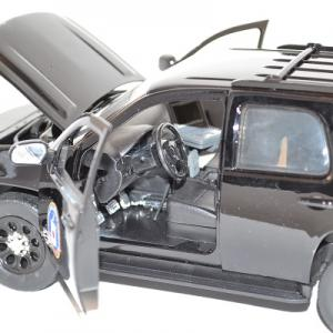 jada-toys-1-24-chevrolet-chevy-tahoe-cia-presidential-escort-autominiature01-9.jpg