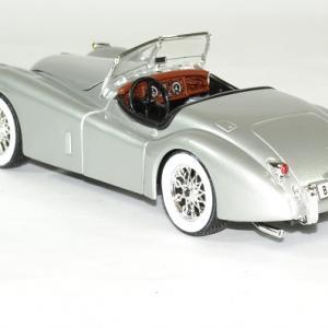 Jaguar xk 120 roadster 1951 argent 1 24 bburago autominiature01 2
