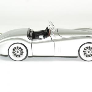 Jaguar xk 120 roadster 1951 argent 1 24 bburago autominiature01 3