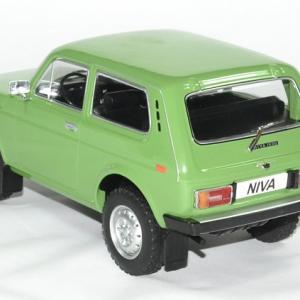 Lada niva vert 1 18 mdg autominiature01 2