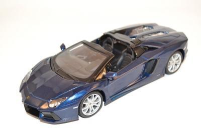 Lamborghini Aventador LP 700-4 Roaster Maisto 1/24