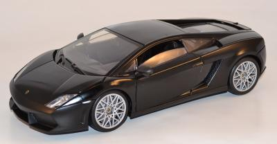 LAMBORGHINI Gallardo LP560-4 noire au 1-18 Motor Max MOM79152BK