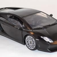 Lamborghini gallardo lp560 4 motor max 1 18 autominiature01 com mom79152bk 2