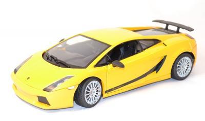 Lamborghini Gallardo Superleggera 2007 jaune 1/18 motor Max