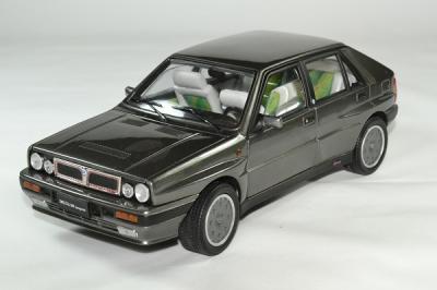 Lancia delta 16v hf integrale 1989 sunstar 1 18 autominiature01 1