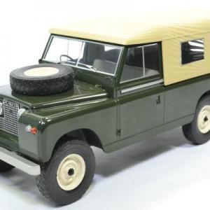 Land rover 109 serie 2 1959 rhd 1 18 mdg autominiature01 mcg18118 1