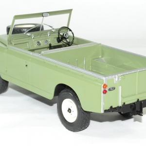Land rover 109 serie 2 mcg 1 18 autominiature01 2
