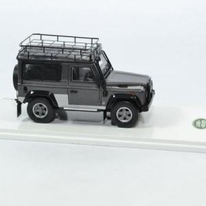 Land rover defender 90 tomb raider lara croft 1 43 truescale autominiature01 430336 3