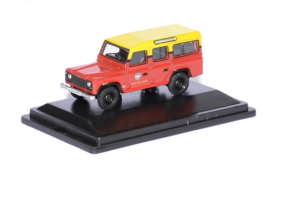 Land rover defender london pompier 1 76 oxford autominiature01 1