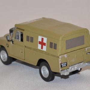 Land rover serie 3 109 army ambulance cararama 1 43 autominiature01 com 3