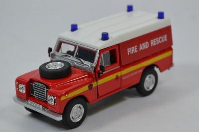 Land rover serie 3 109 pompier 1 43 cararama autominiature01 553940 1
