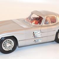 maisto-1-18-mercedes-300-slr-coupe-grise-silver-autominiature01-com-7-2.jpg