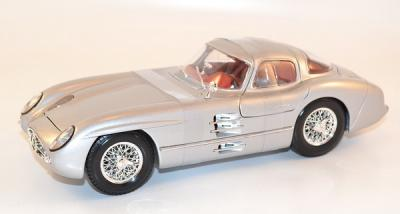 MAISTO 1-18 MERCEDES 300 SLR coupe grise silver