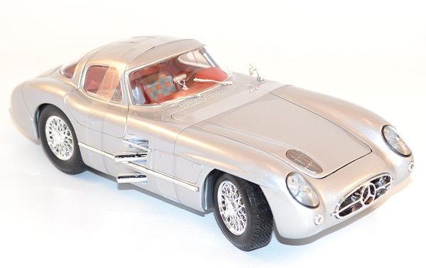 maisto-1-18-mercedes-300-slr-coupe-grise-silver-autominiature01-com-8.jpg