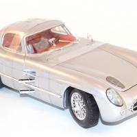 maisto-1-18-mercedes-300-slr-coupe-grise-silver-autominiature01-com-8.jpg