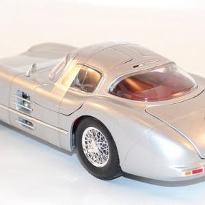 maisto-1-18-mercedes-300-slr-coupe-grise-silver-autominiature01-com-9.jpg