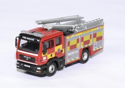 Man echelle pompier hertfordshire