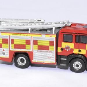 Man pompier echelle fpt hertfordshire 1 76 oxford autominiature01 3