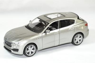 Maserati Levante grise