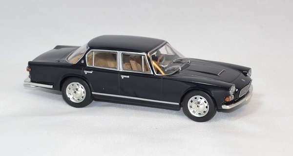 Maserati quattroporte whitebox 1 43 autominiature01 com 3 1