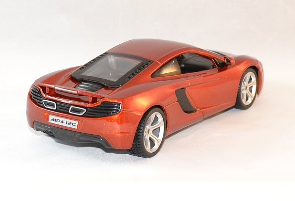 mac laren mp4 12c orange miniature automobile bburago 1 32. Black Bedroom Furniture Sets. Home Design Ideas