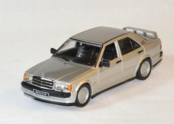 Mercedes 190 2 3 1988 whitebox 1988 1 43 wht246 autominiature01 1