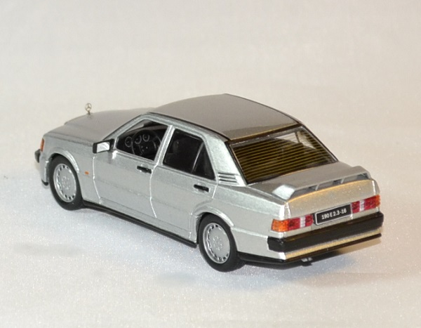 Mercedes 190 2 3 1988 whitebox 1988 1 43 wht246 autominiature01 2