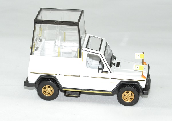 Mercedes 230 ge papamobile vatican 1983 bburago 1 43 autominiature01 3