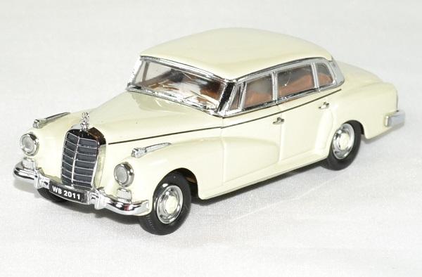 Mercedes 300 l adenauer 1951 limousine 1 43 rio autominiature01 1