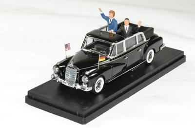 Mercedes 330L limousine ouverte présidents  Adenauer et Kennedy 1963 à Néro