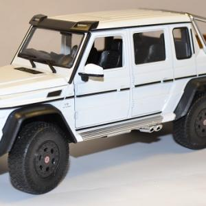Mercedes G63 amg 6x6 blanc pick up