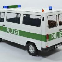 Mercedes benz 208d bus police 1988 hambourg 1 18 kkscale autominiature01 180292 2