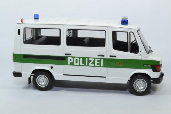 Mercedes benz 208d bus police 1988 hambourg 1 18 kkscale autominiature01 180292 3