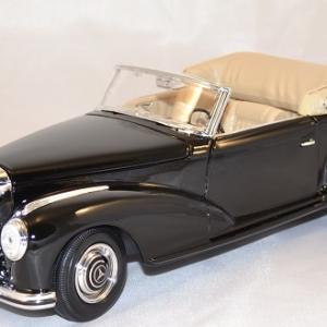 Mercedes-benz 300 s 1955 black 1/18 maisto