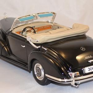 Mercedes benz 300 1955 noire 1 18 maisto autominiature01 com 3